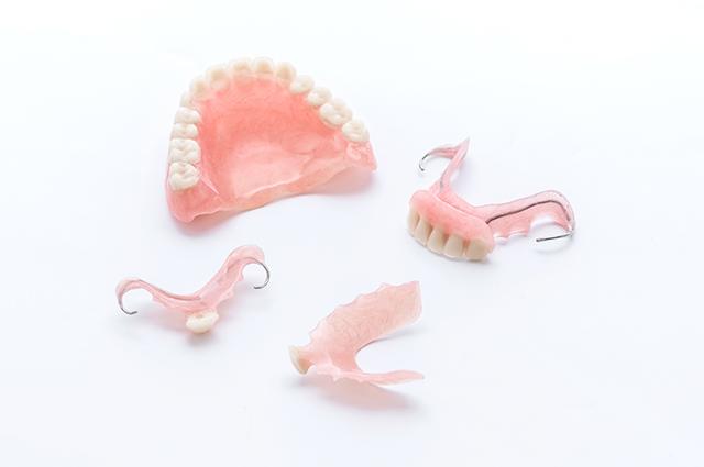 自費の入れ歯